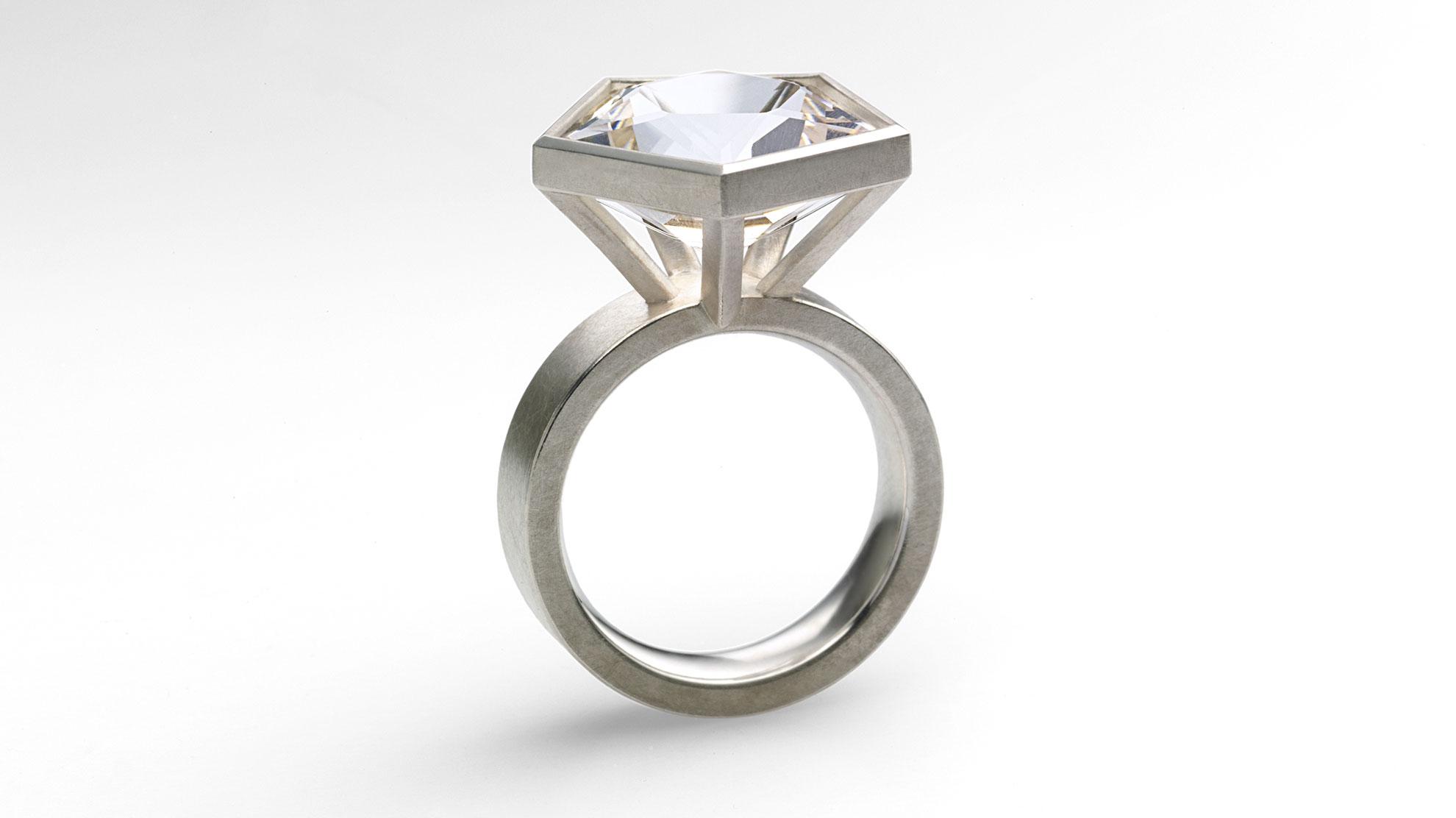 09 Ring Fünfeck 925 Silber, Bergkristall